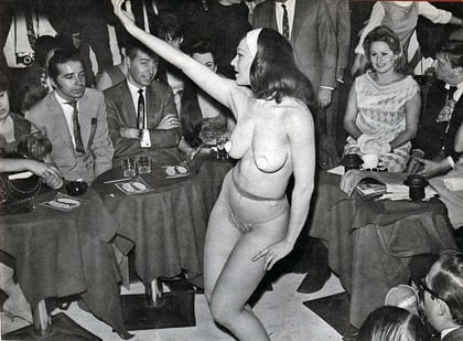 Vintage Pictures of Showgirls (6)-thumb-420x309-58785.jpg